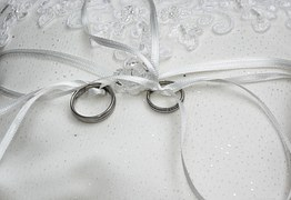 wedding-rings-1578187__180